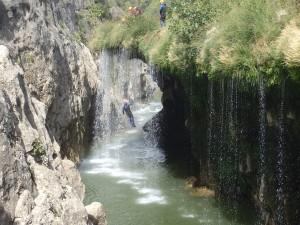 Canyoning près de Montpellier et des Cévennes dans l'Hérault. Proche de St-Guilhem le désert au pont du diable.