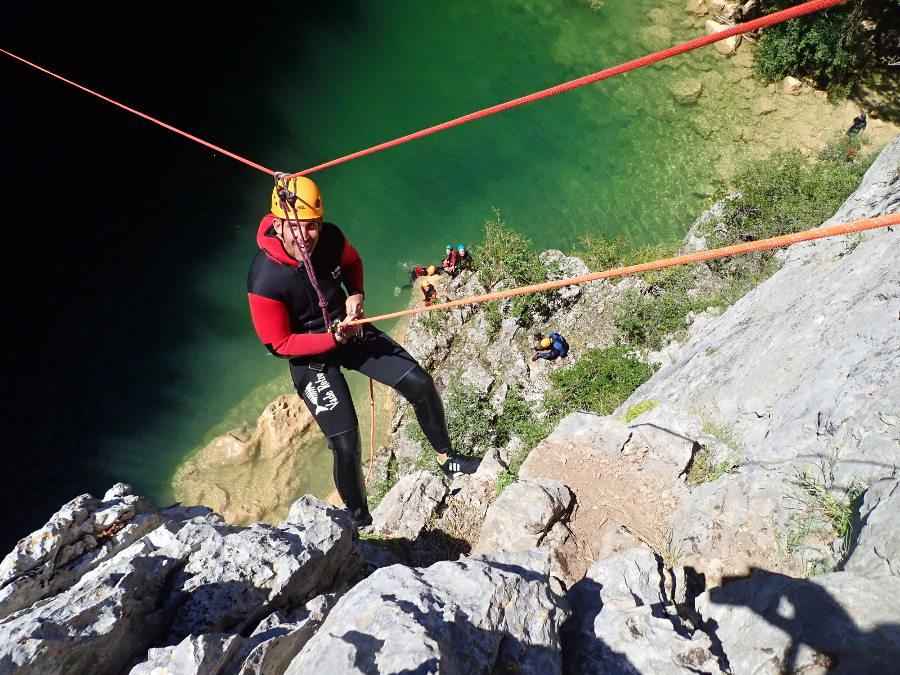 Rappel En Canyoning Au Ravin Des Arcs Dans L'Hérault En Occitanie. A Deux Pas De Montpellier