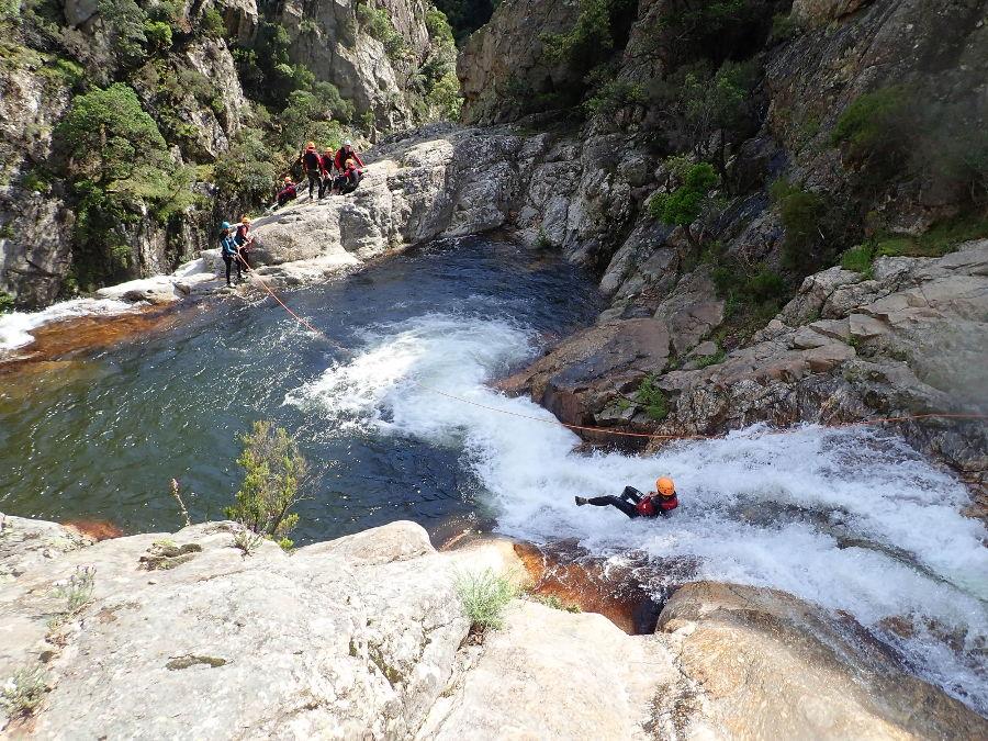 Canyoning Dans L'Hérault En Occitanie, Au Rec Grand, Près De Montpellier, Avec Entre2nature
