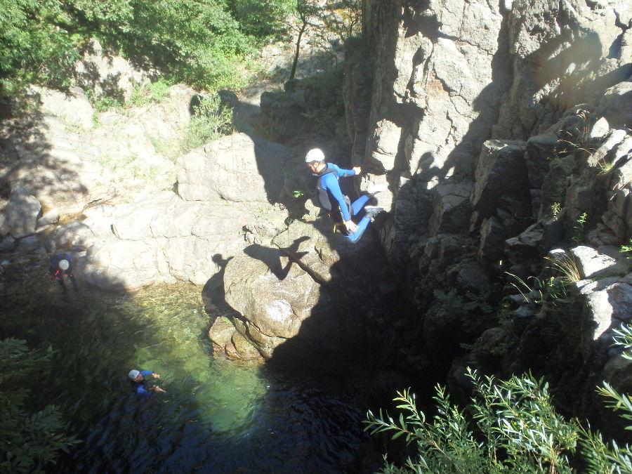 Canyoning Et Saut Près De Montpellier Aux Cascades D'Orgon Dans Le Gard Et Les Cévennes