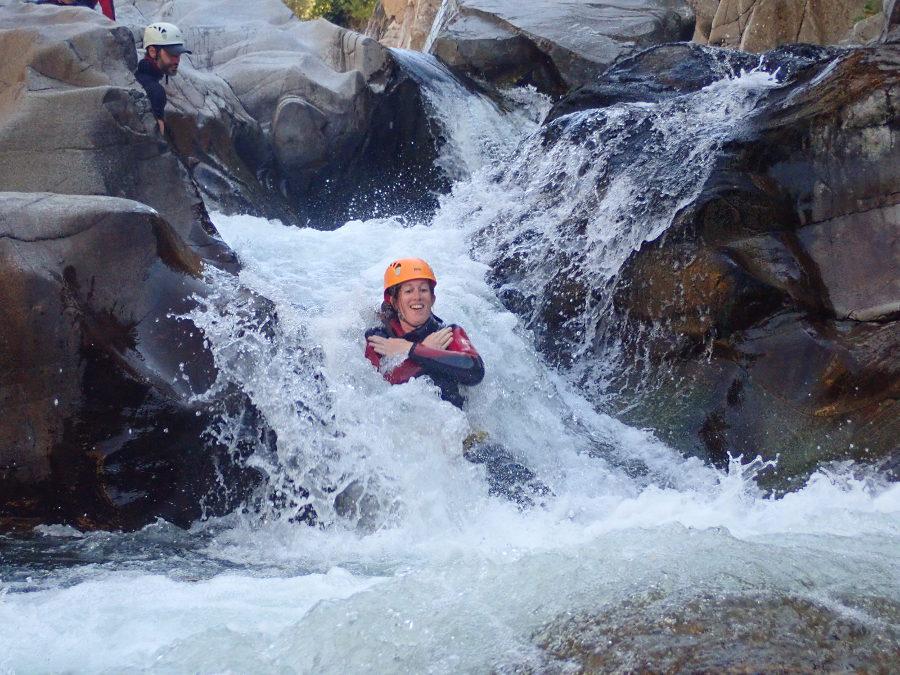 Canyoning Et Toboggan Dans Le Canyon Du Soucy Dans Le Gard, En Cévennes, Avec Entre2nature