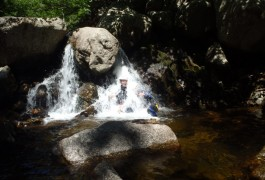 Canyoning En Languedoc-Roussillon Dans Le Gard Et L'Hérault. Sports De Pleine Nature à Sensations Dans Tous Le Languedoc-Roussillon.