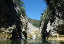 Canyoning Au Ravin Des Arcs En Languedoc, Près De Montpellier, Avec Les Moniteurs De L'Hérault Et Du Gartd.