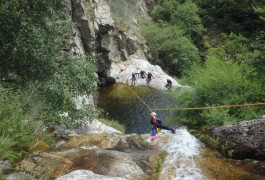 Canyoning Et Tyrolienne En Languedoc-Roussillon Dans Le Gard Et L'Hérault, Près Des Cévennes Dans Le Gard, Près Du Vigan. Avec Les Moniteurs D'entre2nature