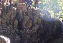 Canyoning En Cévennes Dans Les Cascades D'Orgon En Cévennes Près Du Mont Aigoual Dans Le Gard En Languedoc. Avec Les Moniteurs De L'Hérault Basé Sur Montpellier.