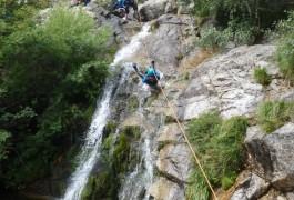 Canyoning Aux Cascades D'Orgon Dans Les Cévennes Au Gard, Près Du Vigan, Au Mont Aigoual. Avec Les Moniteurs D'entre 2 Nature Basé Sur Montpellier Dans L'Hérault En Languedoc.