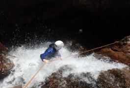 Canyoning Au Tapoul Près De Montpellier Dans L'Hérault. Avec Des Guides Du Languedoc-Roussillon, Spécialistes Des Sports De Pleine Nature Dans L'Hérault Et Le Gard