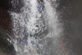 Moniteur Canyoning Près De Millau Dans L'Aveyron, Pour Des Cascades Arrosées En Plein Coeur Des Cévennes Au Mont Aigoual En Languedoc-Roussillon