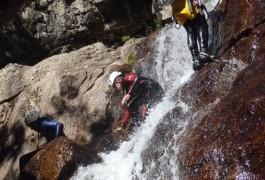 Canyoning Au Tapoul Pour Des Sensations De Pleine Nature, Dans Les Cévennes, Près De Millau Dans L'Aveyron