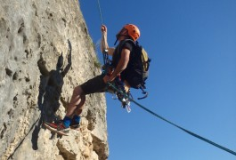 Moniteurs Escalade, Spécialiste Des Sports De Pleine Nature Dans L'Hérault Et Le Gard En Languedoc.