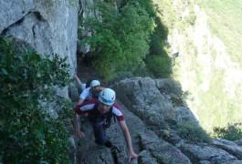 Escalade, Randonnée Et Rappel Dans Le Pic St-Loup, Avec Les Moniteurs Canyon De Montpellier. Entre2nature: Spécialistes Des Activités De Pleine Nature De L'Hérault Et Du Gard.