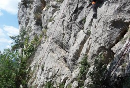 Escalade Au Thaurac En Famille Ou Entre Amis, Dans L'Hérault Et Le Gard En Languedoc-Roussillon