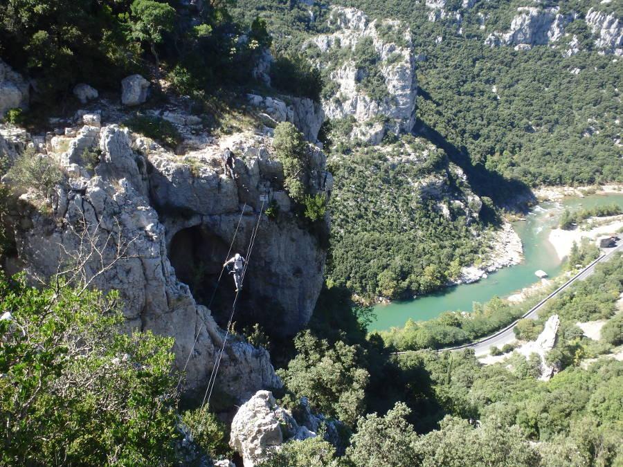 Via-ferrata Du Thaurac, Près De Montpellier Dans L'Hérault En Occitanie. Moniteurs De Pleine Nature.