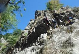 Canyoning Près De Montpellier Au Tapoul, En Plein Coeur Des Cévennes Avec Les Moniteurs D'entre2nature En Languedoc-Roussillon