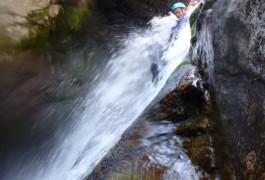 Canyoning Et Toboggan Dans Le Canyon Du Tapoul Au Mont Aigoual Dans Les Cévennes.