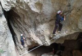 Via-ferrata Du Thaurac Près De Montpellier Avec Des Moniteurs Professionnels De L'escalade Et Du Canyon Dans L'Hérault Et Le Gard
