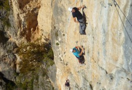 Via-ferrata Du Liaucous Avec Les Moniteurs D'entre 2 Nature, Basé Sur Montpellier