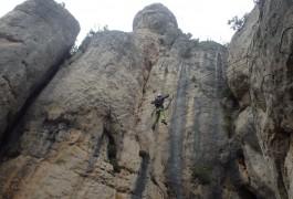 Pont De Singe Au-dessus Du Liaucous. Via-ferrata, Canyoning, Escalade Dans L'aveyron