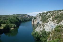 Via-ferrata Du Vidourle, Pour Une Activité De Pleine Nature Tout Près De Montpellier Dans L'Hérault. Découverte De La Région Accompagné Des Guides D'entre2nature.