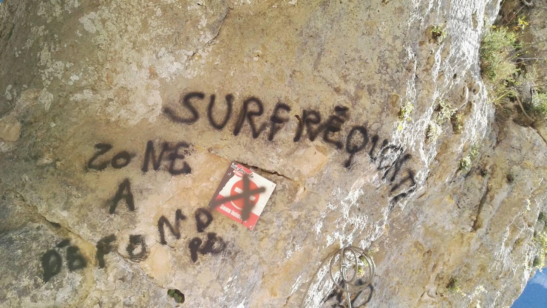 Vandalisme Sur La Via-ferrata Du Liaucous. Tags Et Câble Sectionnés à La Disqueuse