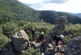 Canyoning Et Sa Marche D'approche En Pleine Nature, Dans Le Rec Grand Au Coeur Du Parc Naturel Du Haut Languedoc, Dans L'Hérault Près De Montpellier. Moniteurs Entre 2 Nature