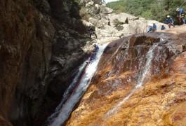 Descente En Rappel En Canyoning Dans L'Hérault, Pour Ce Canyon Du Rec Grand, Avec Les Moniteurs D'activités De Pleine Nature Basé à Montpellier