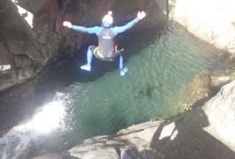 Canyoning Dans Le Tapoul En Cévennes Avec Des Sauts à Gogo. Entre Gard Et Hérault.