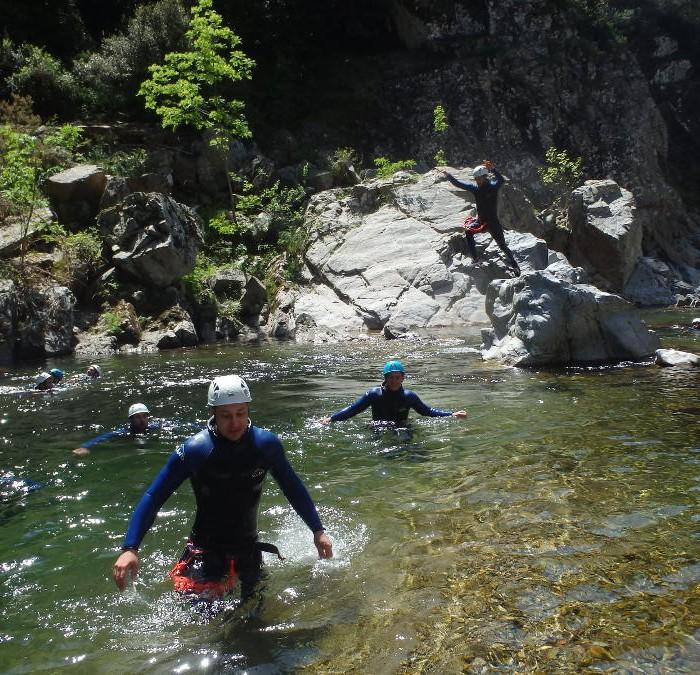 Canyoning En Cévennes Au Soucy, Près De St-Jean Du Gard, Pour Une Initiation