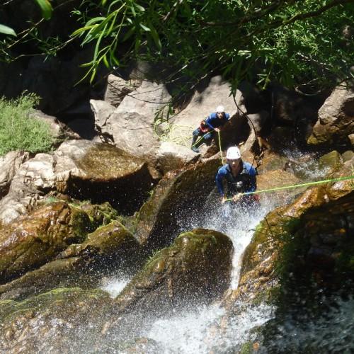 Canyoning Dans Le Gard En Cévennes Dans Le Mont Aigoual Près Du Vigan