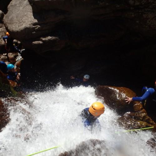 Canyoning Dans Le Gard Et Les Cévennes Près De Montpellier Avec Les Moniteurs De L'Hérault
