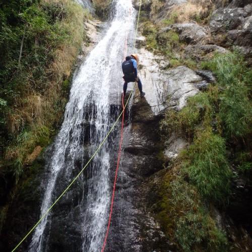 Canyoning Dans L'Albès Au Caroux, Pour Une Aventure Entre Amis