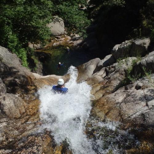Canyoning Et Toboggan Dans Les Cévennes Aux Cascades D'Orgon Dans Le Gard