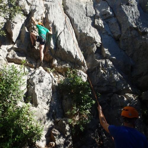 Moniteur D'escalade Dans Le Gard Et L'Hérault Pour Une Initiation Entre Débutants