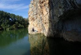 Tyrolienne Et Via-ferrata Au Dessus Du Vidourle Près De Saint-Sériès Et Lunel Dans Le Gard