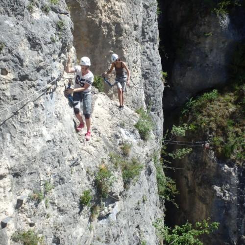 Via-ferrata Dans Le Gard Et L'Hérault Près De Montpellier Pour Des Sports De Pleine Nature