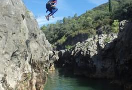 Randonnée Aquatique Dans L'Hérault Près De Montpellier Et De Saint-Guilhem Le Désert