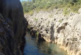Canyoning Près De Montpellier Dans L'Hérault à Saint-Guilhem Le Désert Au Pont Du Diable
