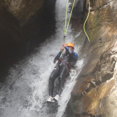 Canyon Du Tapoul En Cévennes, Près Du Village De Rousses En Lozère, Avec Les Moniteurs D'Entre 2 Nature.