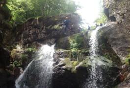 Cévennes Et Canyoning Dans Le Canyon Du Tapoul à Rousses En Lozère, Avec Les Moniteurs D' Entre2nature