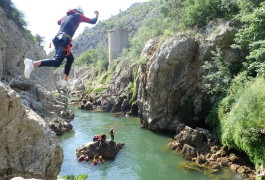 Canyon Du Diable Près De Montpellier Dans Les Gorges De L'Hérault En Languedoc
