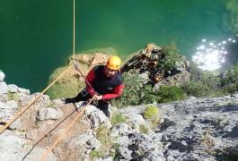 Canyon Du Ravin Des Arcs Près De Montpellier Et Son Rappel-tyrolienne