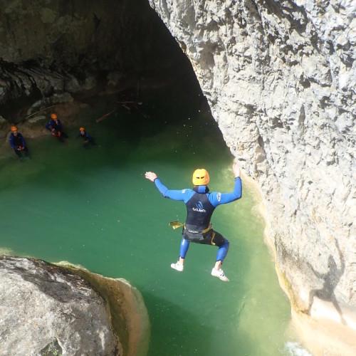 Saut Final Au Canyon Du Ravin Des Arcs Près De Montpellier