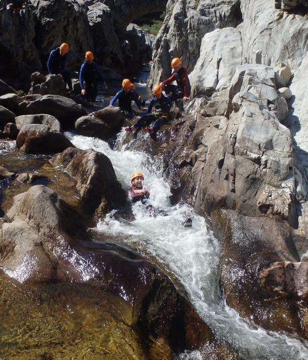 Canyoning Au Canyon Du Soucy Près D'Alès Et Anduze . Poche De Nîmes.