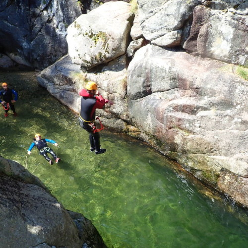 Canyoning Dans Les Cévennes Près De Montpellier, Au Canyon Du Tapoul