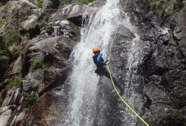 Descente En Rappel En Canyoning Aux Cascades D'Orgon