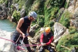 Descente En Rappel En Canyoning Près De Montpellier Dans L'Hérault