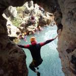 Canyoning Et Saut Au Canyon Du Diable Dans Les Gorges De L'Hérault, Près De Montpellier