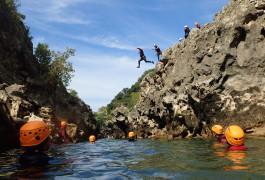 Canyoning Au Canyon Du Diable, Près De Montpellier En Occitanie Dans L'Hérault