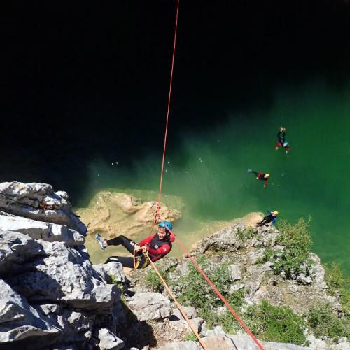 Canyoning Et Tyrolienne Dans L'Hérault Au Ravin Des Arcs