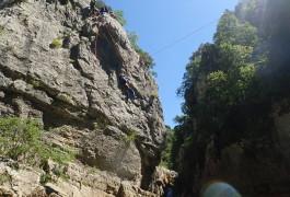 Tyrolienne Et Canyoning Dans L'Hérault Au Canyon Du Ravin Des Arcs